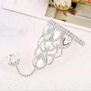 Jewelry - Glamourous Silver & Rhinestone Harem Ring Bracelet